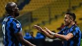 Alexis Sanchez giúp Inter Milan tiến gần đến Scudetto