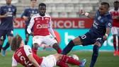 Lão tướng Dimitri Payet ghi 100 bàn và kiến tạo 100 bàn khác ở Ligue 1