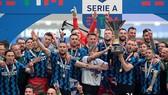 Inter Milan đăng quang Scudetto sau 11 năm