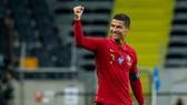 Cristiano Ronaldo vẫn là tay săn bàn đáng sợ nhất