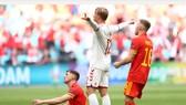 Kasper Dolberg ăn mừng bàn thắng