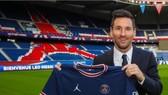 Messi giới thiệu chiếc áo PSG ở Parc des Princes
