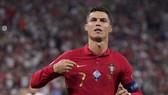 PSG sẽ tiếp nhận Cristiano Ronaldo vào mùa hè tới