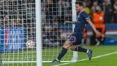 Messi ghi bàn gỡ hòa cho PSG