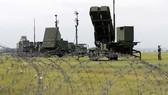 Cuối tháng trước, nội các Nhật Bản thông qua kế hoạch mua 2 hệ thống phòng thủ tên lửa Aegis Ashorecủa Mỹ nhằm tăng cường khả năng phòng thủ quốc gia trước mối đe dọa tên lửa đạn đạo. Ảnh: GUARDIAN