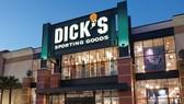 Dick's Sporting Goods tuyên bố ngừng bán súng trường. Ảnh: FOOTWEAR NEWS