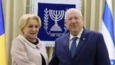 Tổng thống Klaus Iohannis và Thủ tướng Viorica Dancila (phải). Ảnh : mfa.gov.il