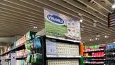 Tốt cho sức khỏe, thiết kế sang trọng, sữa tươi chứa tổ yến của Vinamilk thường được lựa chọn như một món quà thượng hạng cho những dịp đặc biệt.