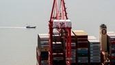 Hàng hóa Mỹ tập kết tại cảng nước sâu Dương Sơn, Thượng Hải ngày 9/4/2018. (Ảnh: Getty Images)