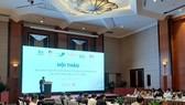 Các đại biểu tham dự hội thảo cho rằng, Việt Nam cần tiếp tục siết chặt việc quản lý nhập khẩu gỗ nguyên liệu, phòng ngừa những rủi ro về nguồn gốc gỗ ( Ảnh: Bích Hồng/TTXVN)