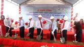 Việc xây dựng cầu Vàm Cái Sứt trên tuyến Hương lộ 2 sẽ góp phần hoàn chỉnh hệ thống giao thông trong khu vực, tạo tiền đề cho phát triển kinh tế, xã hội trên địa bàn.