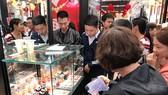 Giá vàng SJC giảm gần 200.000 đồng/lượng phiên sáng đầu tuần
