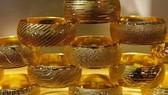 Vì sao giá vàng trong nước liên tục chênh lệch cao so với giá vàng thế giới?