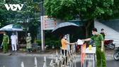 Hình ảnh phong tỏa tại khu đô thị Đồng Sơn - nơi có ổ dịch COVID-19 tại Sunny Club, tại TP Vĩnh Yên.