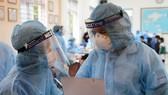 Chỉ từ 6h sáng đến 12h trưa 10-5, Bộ Y tế đã công bố 109 ca nhiễm Covid-19 lay nhiễm trong nước. Ảnh: SKĐS