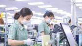 Samsung, Nike, Adidas… lo ngại đứt chuỗi cung ứng; Apple, Google, Amazon… tính toán lại vào Việt Nam