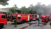 Xe chuyên dụng tham gia chữa cháy tại hiện trường