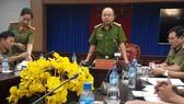 Đại tá Trần Văn Chính, PGĐ Công an tỉnh Bình Dương chủ trì hợp báo thông tin vụ việc