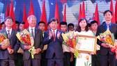 Chủ tịch nước trao tặng Huân chương Lao động hạng Nhì cho BETU