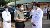 Thủ tướng Chính phủ Phạm Minh Chính đánh giá cao tinh thần phục vụ, chăm sóc bệnh nhân của đội ngũ y, bác sĩ Bệnh viện Đa khoa tỉnh Bình Dương