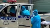 Lực lượng công an phải dừng xe dọc đường đỡ đẻ cho sản phụ