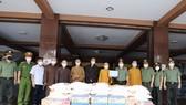 Công an TPHCM thăm, tặng quà hỗ trợ 2 cơ sở tôn giáo trên địa bàn thành phố