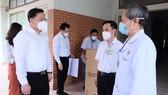 Văn phòng Thành ủy TPHCM thăm hỏi, động viên lực lượng tuyến đầu