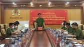 Trung tướng Nguyễn Duy Ngọc, Ủy viên Trung ương Đảng, Thứ trưởng Bộ Công an, Chỉ huy trưởng Bộ Chỉ huy tiền phương chủ trì cuộc họp. Ảnh: T.BÌNH