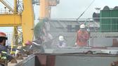 Tàu chở hàng nguyên liệu giấy neo tại Cảng Bến Nghé bốc cháy