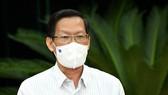 """Chủ tịch UBND TPHCM Phan Văn Mãi: Nghiên cứu có """"thẻ xanh"""" vaccine để người dân đi lại"""