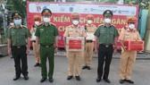 Chiến sĩ CSGT đưa người dân đi cấp cứu được Thủ tướng Chính phủ trao bằng khen