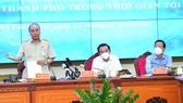 Chủ tịch nước Nguyễn Xuân Phúc: TPHCM nên tái cơ cấu, hướng đến kinh tế sáng tạo