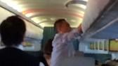 """Đề nghị truy tố hai đối tượng người Trung Quốc về tội """"Trộm cắp tài sản"""" trên máy bay"""