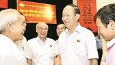Chủ tịch nước Trần Đại Quang tiếp xúc cử tri TPHCM hôm 13-10. Ảnh: VIỆT DŨNG