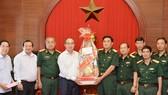 Bí thư Thành ủy TPHCM Nguyễn Thiện Nhân thăm, chúc tết lực lượng vũ trang tại TPHCM