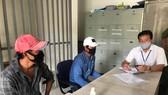 Công an phường Tam Bình (quận Thủ Đức) phạt 2 trường hợp không chấp hành đeo khẩu trang