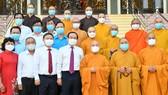 Bí thư Thành ủy TPHCM Nguyễn Văn Nên cùng các đồng chí lãnh đạo TP thăm và chúc mừng Hoà thượng Thích Thiện Nhơn, Chủ tịch Hội đồng Trị sự Giáo hội Phật giáo Việt Nam và Văn phòng II - Trung ương Giáo hội Phật giáo Việt Nam. Ảnh: VIỆT DŨNG