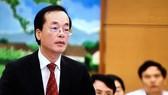 Bộ trưởng Phạm Hồng Hà trả lừoi chất vấn tại phiên họp