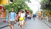 Khách quốc tế đến Việt Nam tăng hơn 51 lần, tổng thu tăng gần 30 lần