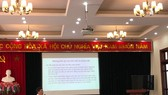 Ông Phạm Thế Trung, Trưởng ban Nghiên cứu cải cách và phát triển DN của CIEM trình bày dự thảo Báo cáo nghiên cứu