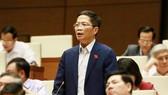Bộ trưởng Bộ Công thương Trần Tuấn Anh trả lời chất vấn trước Quốc hội, ngày 31-10-2018.