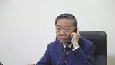 Trong trường hợp có nạn nhân là người Việt Nam, Bộ trưởng Tô Lâm đề nghị Bộ Nội vụ Anh tạo điều kiện thuận lợi cho việc bảo hộ công dân