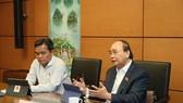 Thủ tướng Chính phủ Nguyễn Xuân Phúc phát biểu tại phiên thảo luận tổ chiều 10-11. Ảnh: QUANG PHÚC