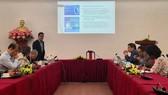 ThS. Nguyễn Anh Dương, Trưởng Ban Nghiên cứu tổng hợp (CIEM) trình bày kết quả nghiên cứu tại hội thảo