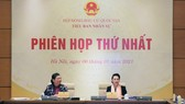 Chủ tịch Quốc hội Nguyễn Thị Kim Ngân và Phó Chủ tịch Thường trực Quốc hội Tòng Thị Phóng tại phiên họp Tiểu ban Nhân sự, Hội đồng Bầu cử Quốc gia, sáng 6-1-2021. Ảnh: QUANG PHÚC  