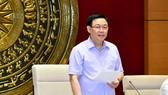 Chủ tịch Quốc hội Vương Đình Huệ phát biểu tại buổi làm việc. Ảnh: QUANG PHÚC