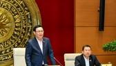 Chủ tịch Quốc hội Vương Đình Huệ  phát biểu tại phiên làm việc. Ảnh: QUANG PHÚC