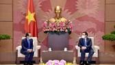 Chủ tịch Quốc hội Vương Đình Huệ tiếp Đại sứ Campuchia Chay Navuth, Đại sứ Nhật Bản Yamada Takio