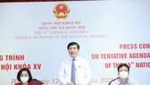 Tổng Thư ký, Chủ nhiệm Văn phòng Quốc hội Bùi Văn Cường chủ trì cuộc họp báo. Ảnh: QUANG PHÚC