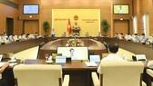 Toàn cảnh phiên họp UBTVQH sáng 12-10